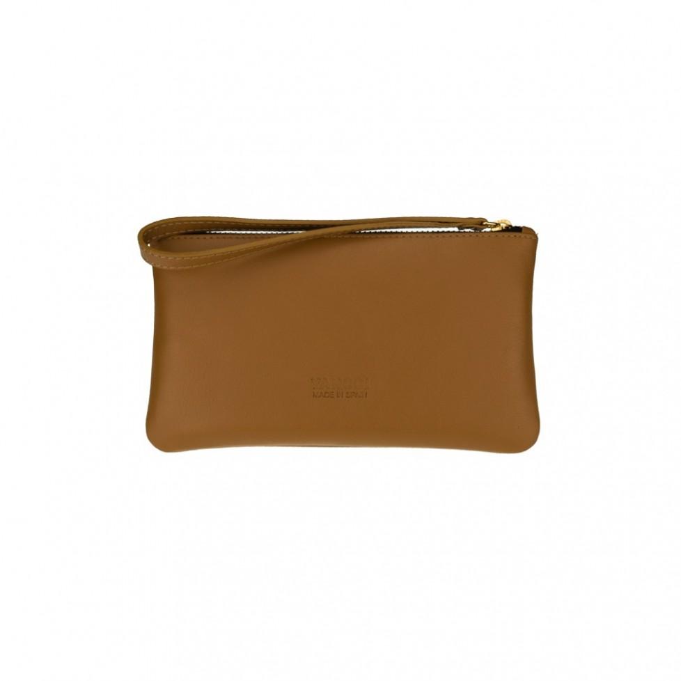 Bolsa pequeña de mano de color cuero