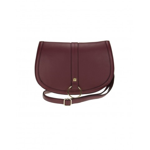 Bolso modelo CrossBody Flap en color cuero
